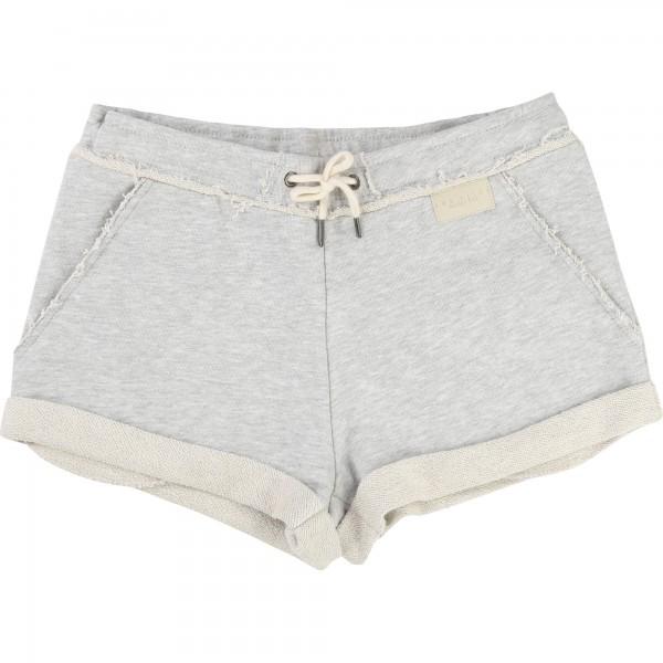 Grey Short, Une Fille